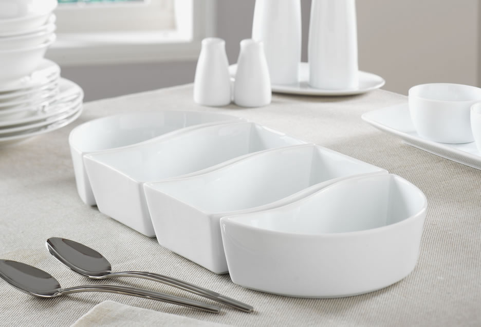 4 piece oval set of dishes